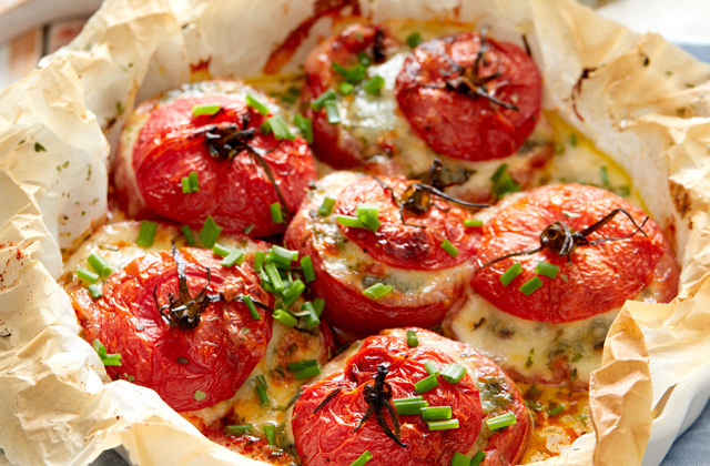 spinach and cheese stuffed tomatoes